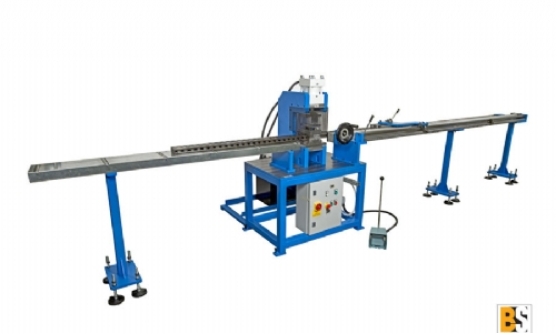 P80-M Punching machine with a vertical hydraulic cylinder